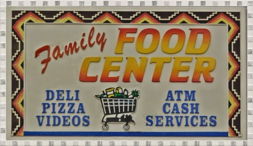 shop Family Food Center, Chiloquin