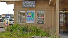 Two Rivers Gallery and Gifts in Chiloquin