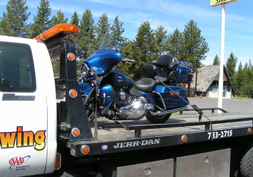 Chiloquin Towing: experience to handle your pride and joy motor cycle