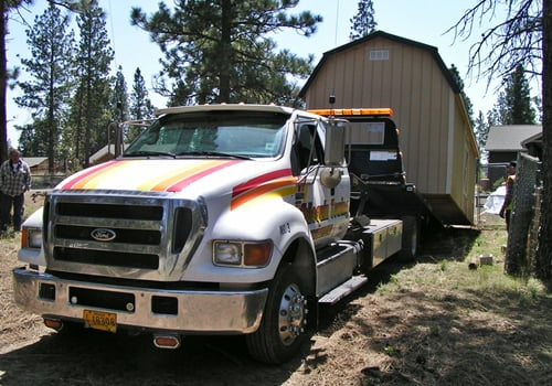 Chiloquin Towing: Storage shed to move