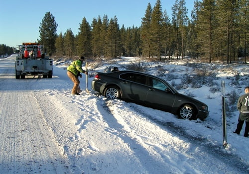 Chiloquin Towing: a typical slide off Hwy 97