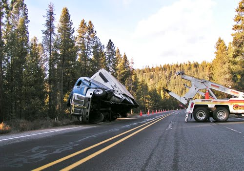 Chiloquin Towing: getting a truck and trailer back on their wheels